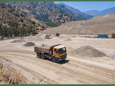 photo mining center 02