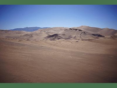 Foto Atacama desert mountains3
