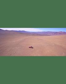 Foto camioneta avandonada en Desierto