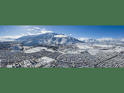 Panorama sur oriente nevado Santiago