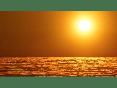 Foto Puesta de sol sobre las nubes 1