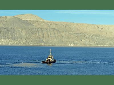 Foto lancha en mar del norte de Chile
