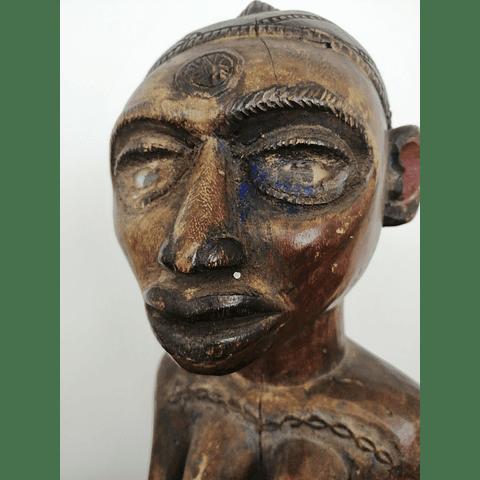 Statue of Anjenu Idoma