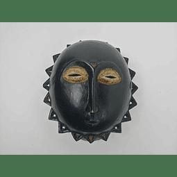 Máscara Preta Baule