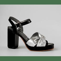 Sandalia cuero richato negro nudo plata