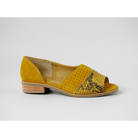 Sandalia cuero amarilla