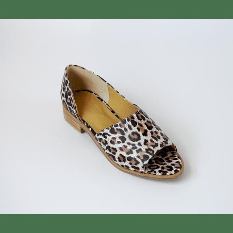 Sandalia cuero diseño print