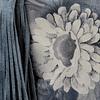 Cartera cuero gris floreada modelo Kira