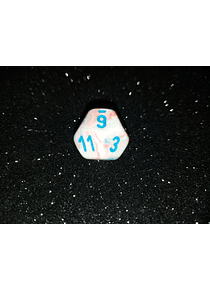 Dado 12 caras - Chessex - Blanco detalles rosa