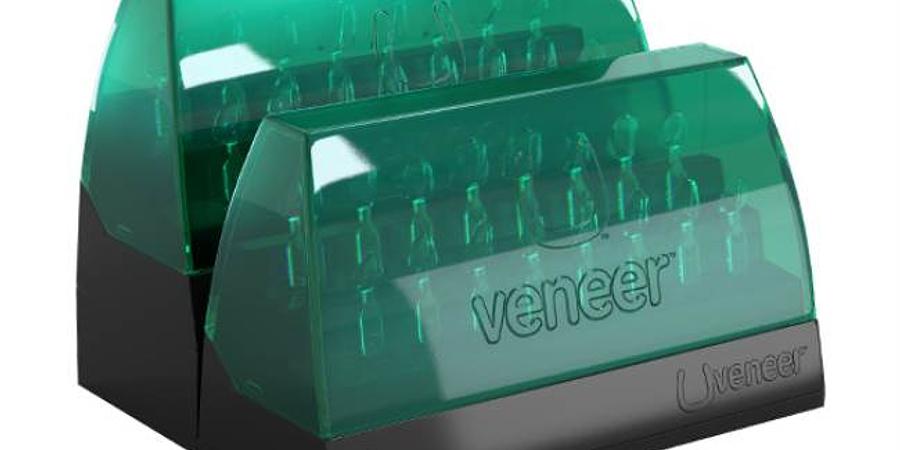 Plantillas Uveneer: Una alternativa para restauraciones anteriores naturales en resina compuesta directa!