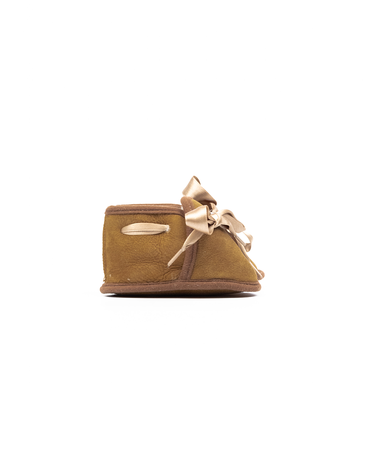 Baby slipper with bow