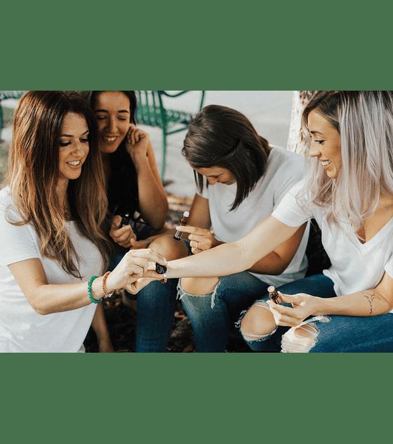 Óleo Essencial ClaryCalm Roll-On 10 ml   Mistura Mensal para Mulheres