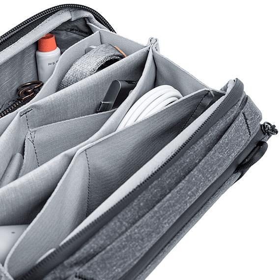 Bolso Peak Design Tech Pouch Gris Oscuro- Image 2