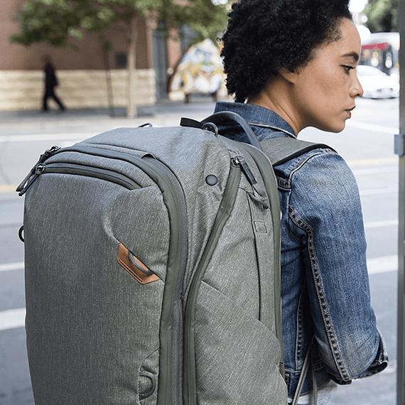 Mochila Peak Design Travel Backpack 45L Gris Verde- Image 25