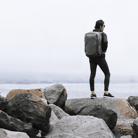 Mochila Peak Design Travel Backpack 45L Gris Verde- Image 29