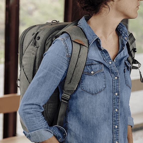 Mochila Peak Design Travel Backpack 45L Gris Verde- Image 30