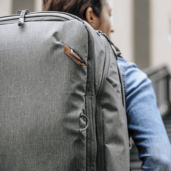 Mochila Peak Design Travel Backpack 45L Gris Verde- Image 33