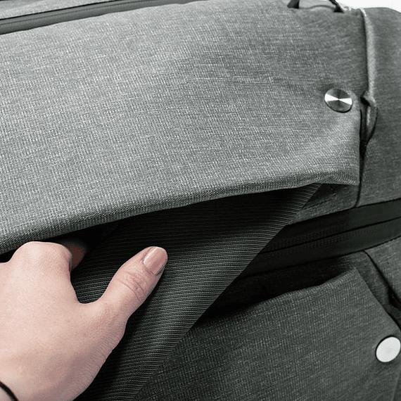Bolso Peak Design Duffelpack 65L Negro- Image 10