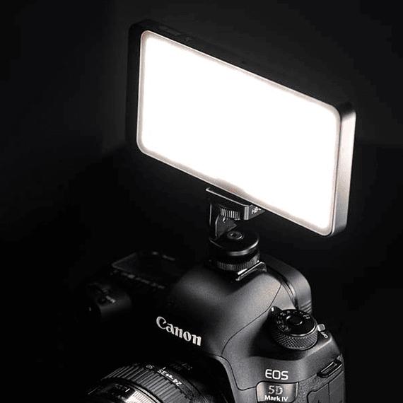 Foco LED y Cargador Leofoto 630 lúmenes FL-L120- Image 2