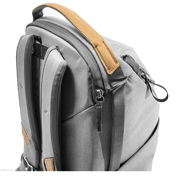 Mochila Peak Design Everyday 20L v2 Gris Claro- Image 3
