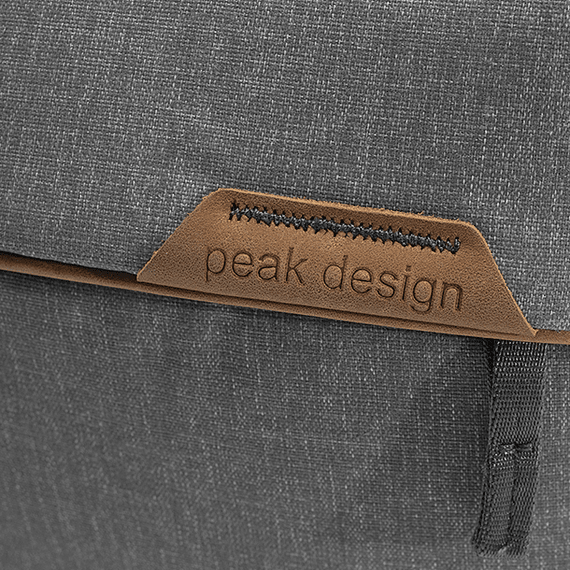 Bolso Peak Design Everyday Sling 3L v2 Gris Claro- Image 10