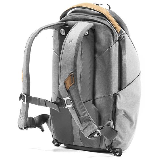 Mochila Peak Design Everyday Zip 15L Gris Claro- Image 4