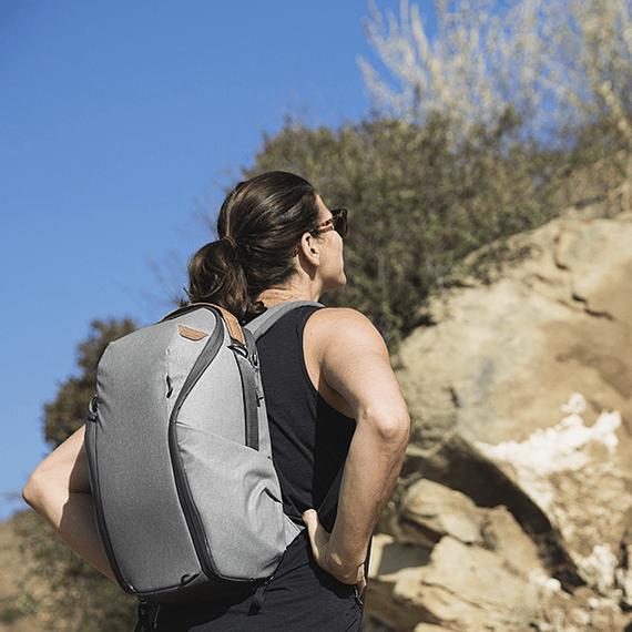 Mochila Peak Design Everyday Zip 15L Gris Claro- Image 13