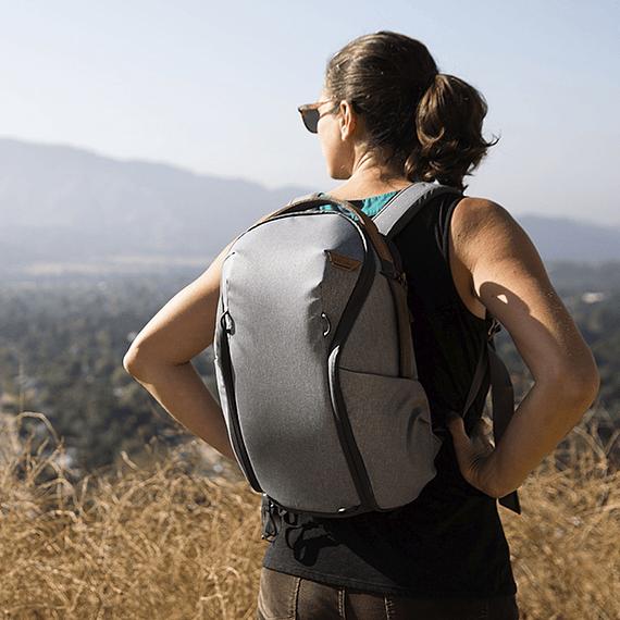 Mochila Peak Design Everyday Zip 15L Gris Claro- Image 14