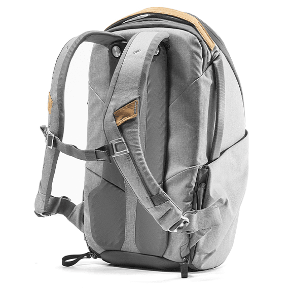 Mochila Peak Design Everyday Zip 20L Gris Claro- Image 4