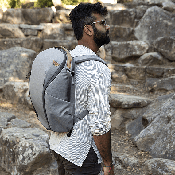 Mochila Peak Design Everyday Zip 20L Gris Claro- Image 13