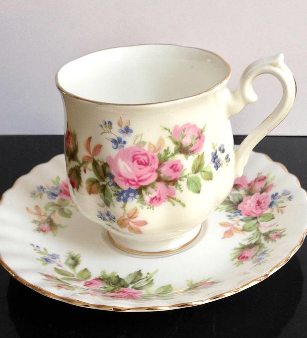 Royal Albert, Inglaterra 'Moss Rose', taza de café, 1947 - 2001