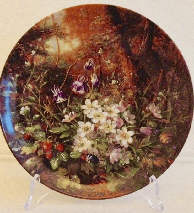 Fürstenberg, Alemania, Serie Bellezas Salvajes, 1989, ' An der Waldlichtung',  con  certificado, 19,5 cm