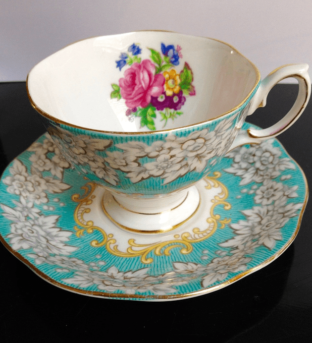 Royal Albert, Inglaterra, 'Enchantment', taza de café, 1950's-1980's