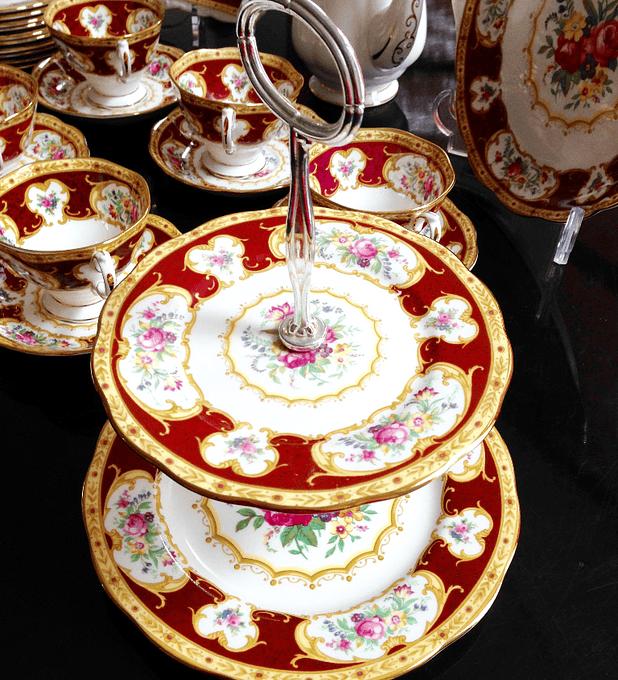 Royal Albert, Inglaterra, etagere, 'Lady Hamilton', 1939 - 2001
