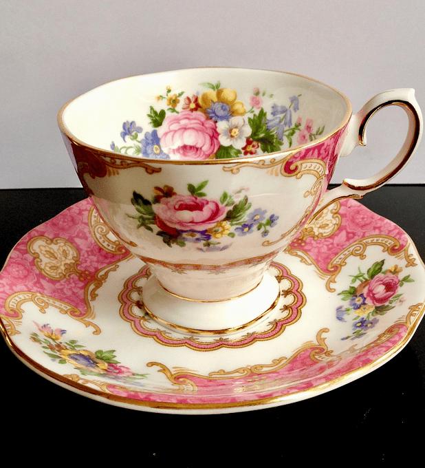 Royal Albert, Inglaterra, 'Lady Carlyle', taza de café, 1944 - 2010