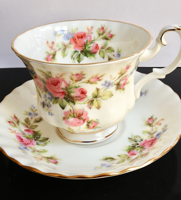 Royal Albert, 'Moss Rose', Inglaterra, taza de té, 1947 - 2001