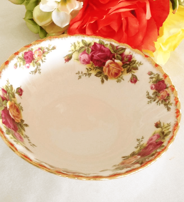 Royal Albert,  Inglaterra, 'Old Country Roses', pocillo de 16 cms