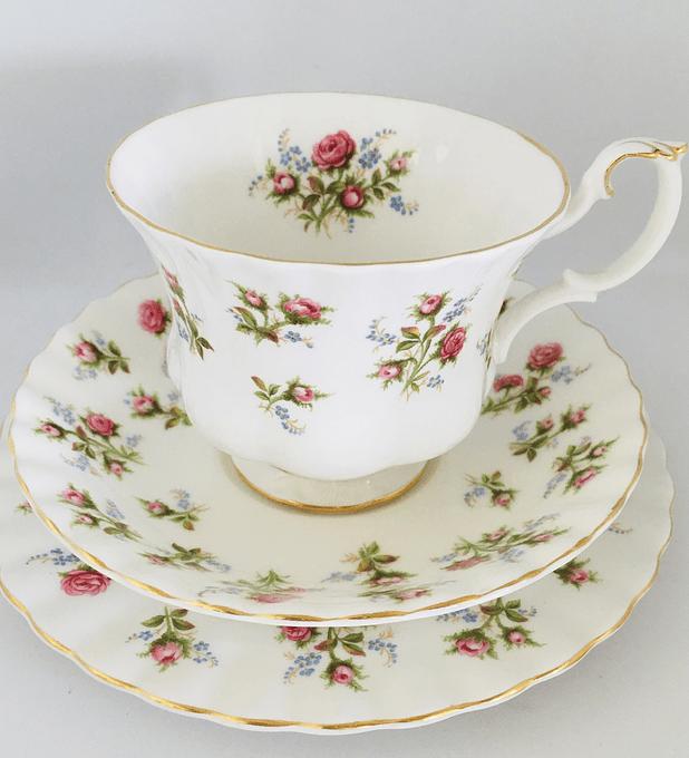 """Royal Albert, Inglaterra, """"Winsome"""" trio de té, 1966-2001"""