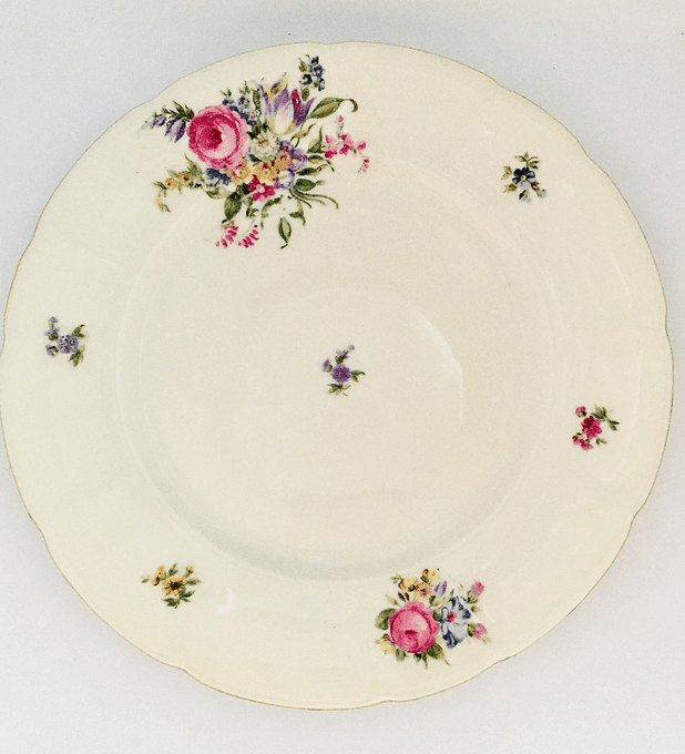 "Pirkenhammer,  ""Avignon"", Checoslovaquia , plato de pan/torta, 20 cm , 1918 - 1938"