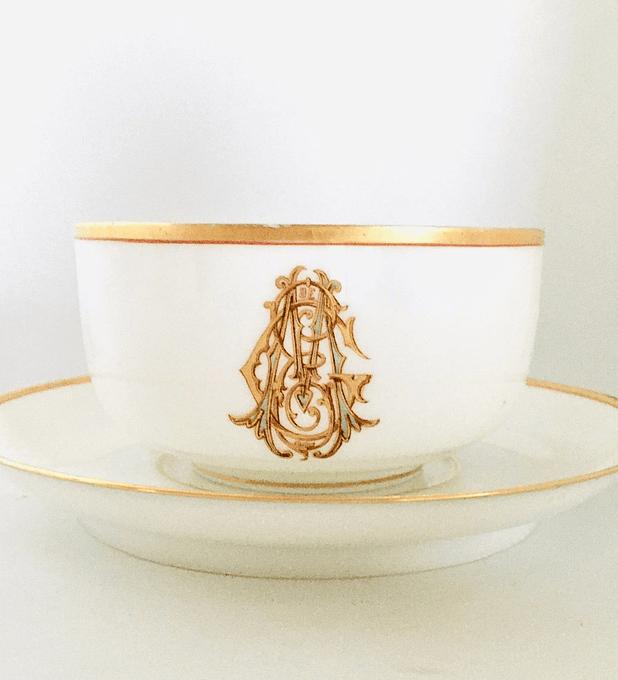 Maison Charles Pillivuyt, Francia, taza de té, fines siglo XIX