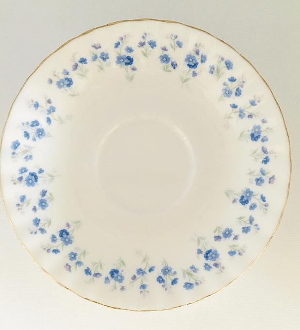 Royal Albert, Inglaterra,  'Memory Lane', platillo huérfano de té 14 cm