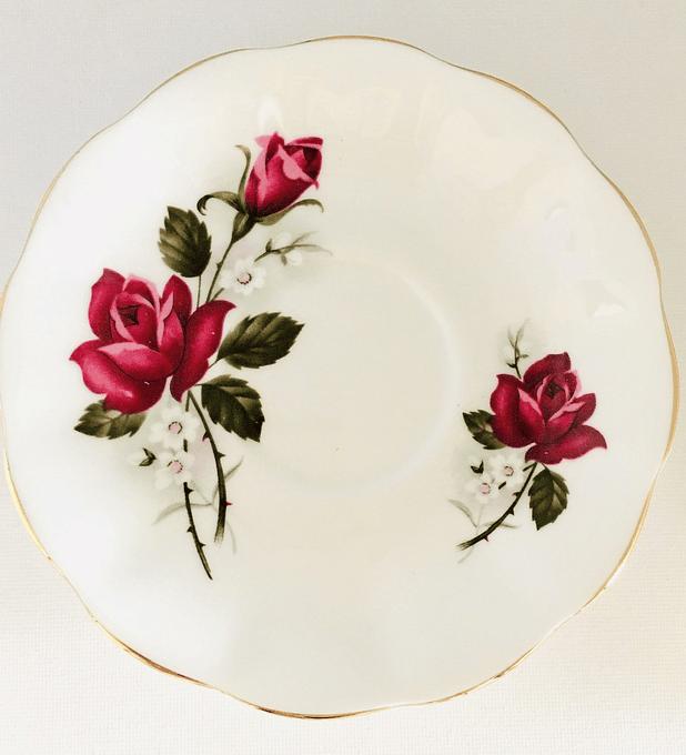 Royal Imperial, Inglaterra, platillo huérfano  de té, 14 cm