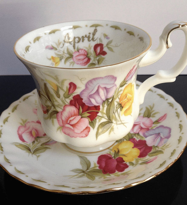 Royal Albert, Inglaterra, Serie 'Flower of the month', ' Sweet pea', Abril, taza de café, 1970