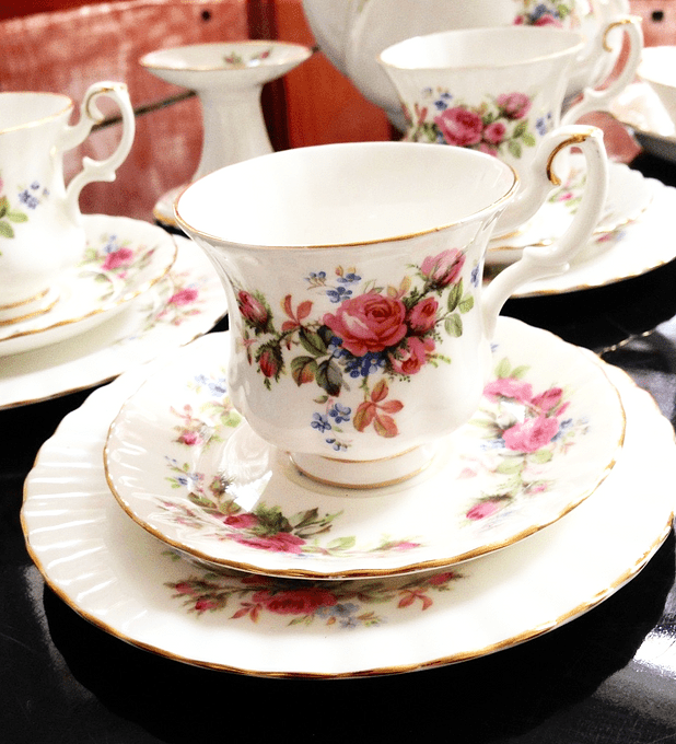 Royal Albert, 'Moss Rose', set de café, años 1947 al 2001