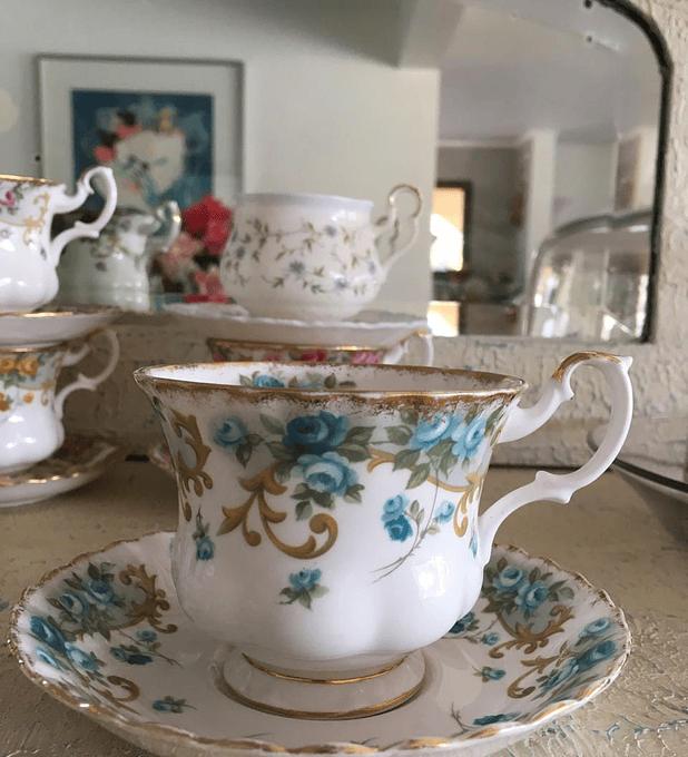 Royal Albert, Inglaterra, Serie Sheraton, 'Veronica', taza de té, 1962 - 1980