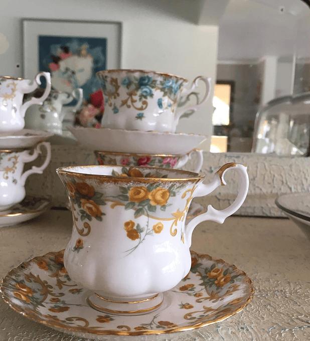 Royal Albert, Inglaterra, Serie Sheraton, 'Marjorie', taza de café, 1962 - 1980