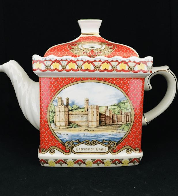 James Sadler, Inglaterra, tetera de colección, 'Caernarfon Castle'