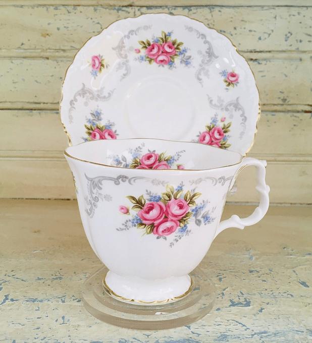 "Inglaterra, Royal Albert, taza de té "" Tranquillity"" 1969-2001"