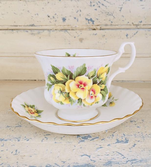 Royal Albert, Inglaterra, 'pensamientos', taza de té, 1960's - 1970's