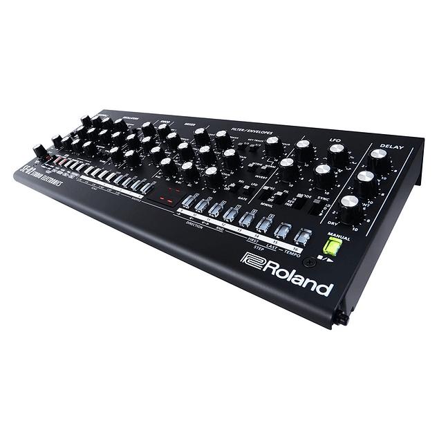 Roland SE 02 Sintetizador Analógico